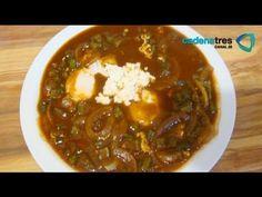 Receta de como preparar nopales navegantes en salsa de guajillo. Receta comida mexicana