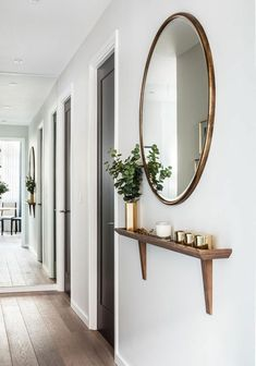 hallway decorating 781304235343108201 - Remarkable DIY Small Apartment Decoration Ideas … remarkable DIY small apartment decorating ideas Source by ajpetiannus Decor, Small Apartment Decorating, Hallway Decorating, Interior, Apartment Entryway, Diy Apartments, Home Decor, House Interior, Diy Small Apartment