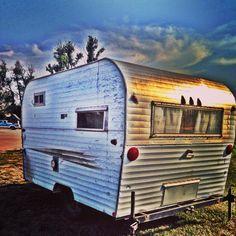 Renovating a vintage 1969 RoadRunner Travel Trailer Ostrobogulous cackleberries Cool Campers, Retro Campers, Vintage Campers, John Deere Riding Mowers, Travel Trailer Interior, Small Camping Trailer, Trailer Remodel, Rv Trailer, Camper Trailers