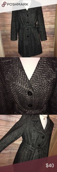 Anne Klein Tweed Wool Blend Coat Classically fabulous! Super warm while stylish at the same time. Excellent quality and condition, very well cared for. Check out my other listings to bundle and save 25% 😎! Anne Klein Jackets & Coats