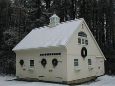 Build a Shed on a Weekend - Our plans include complete step-by-step details. If you are a first time builder trying to figure out how to build a shed, you are in the right place! Garage Shed, Barn Garage, Garage Plans, Garage Ideas, Detached Garage, Garage Doors, Dream Garage, Barn Plans, Shed Plans