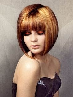 "It can not be repeated enough, bob is one of the most versatile looks ever. We wear with style the French ""bob"", a classic that gives your appearance a little je-ne-sais-quoi. Here is ""bob"" Despite its unpretentious… Continue Reading → Cute Bob Hairstyles, Inverted Bob Hairstyles, Short Hairstyles For Thick Hair, Haircut For Thick Hair, Short Straight Hair, Hairstyles With Bangs, Short Hair Cuts, Curly Hair Styles, Haircut Short"