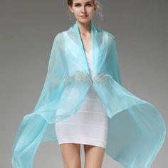 Elegantný veľký dámsky hodvábny šál v azúrovo modrej farbe