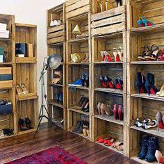 Con cajas de madera recicladas!