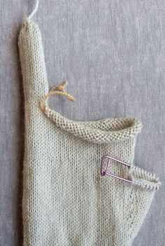 Gem Gloves   Purl Soho Fingerless Gloves Knitted, Knit Mittens, Knitting Machine Patterns, Crochet Patterns, Hand Knitted Sweaters, Knitted Hats, Crochet Slippers, Knit Crochet, Purl Soho