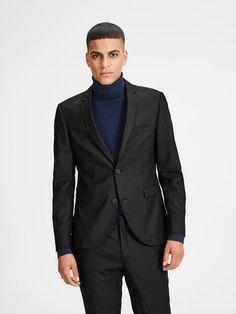 Jack & Jones Schwarz Blazer für 99,95€. Moderner Blazer, Zusätzlicher Stretch für ganztägigen Komfort, Vollfutter, Rückenschlitze und schmales Revers bei OTTO