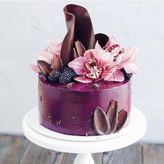 Flowers and shards cake Cake decorating ideas