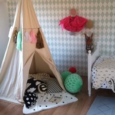 Tipi tent made by http://instagram.com/eeflillemor