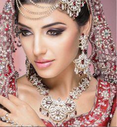 21 Ideas Eye Makeup Bridal Indian Exotic Beauties For 2019 Bridal Eye Makeup, Indian Bridal Makeup, Asian Bridal, Wedding Makeup, Wedding Bride, Bridal Updo, Bridal Hairstyles, Bridal Beauty, Party Makeup