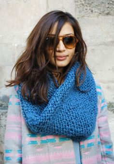 must knit this giant blue thing. would be so easy.