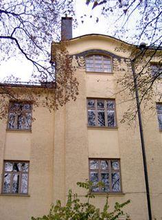 Art Nouveau in Finland. Eberneser School in Helsinki architect Wivi Lönn Helsinki, Finland, Art Nouveau, Maine, Mansions, House Styles, School, Design, Home Decor