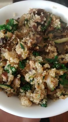 Lenten Recipes for Orthodox Christians Zucchini Breakfast, Breakfast Hash, Breakfast Recipes, Rice Recipes, Vegan Recipes, Lean And Green Meals, Greek Cooking, How To Cook Quinoa, Dishes