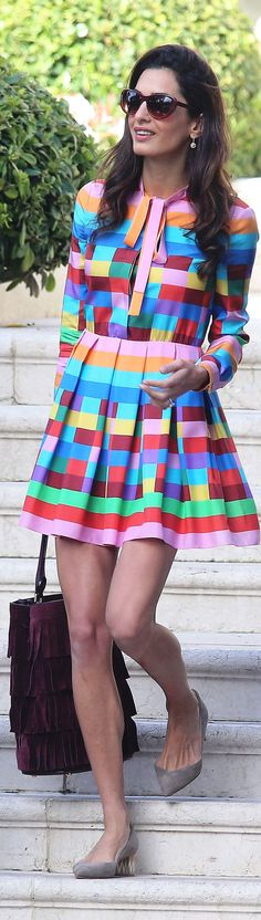 I love the bright colors of this dress!!! I would wear it if it was a little bit longer