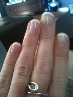 Shellac manicure DIY at home!