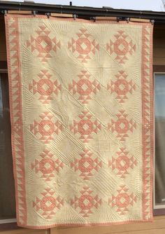 Wedding Ring Quilt, Wedding Rings, Hand Quilting Designs, Crown Of Thorns, Half Square Triangles, Pattern Fashion, Quilt Blocks, Border Ideas, White Quilts