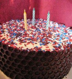 "Funfetti Ice Cream Cake with ""bubble-wrap"" chocolate frosting  | 2ofakindworkinonafullhouse"
