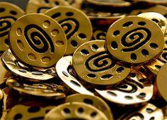 nasturi-mabotex-metalici-14 Plates, Metal, Licence Plates, Dishes, Griddles, Dish, Metals, Plate