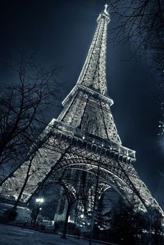 Tour Eifel ,Paris by Night Beautiful Paris, Paris Love, Paris Torre Eiffel, France Eiffel Tower, Eiffel Tower Art, Paris Wallpaper, Paris Travel, Belle Photo, Nature Photography