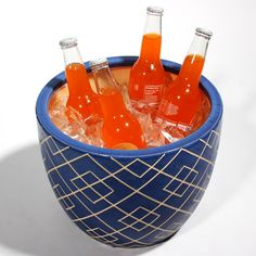 Use a pretty planter to host some cold beverages for your guests! #VacaYourWay #HostessWithTheMostest #summer