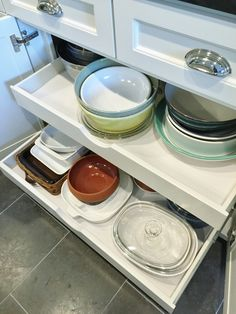 Kitchen storage that works - Wide pull-out drawers | interior Designer: Carla Aston