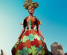 Vlisco: Fashion or Sculpture? | Madam Meow / Holly Gaboriault