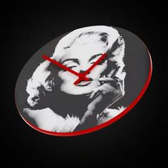 Marilyn Monroe furniture A clock