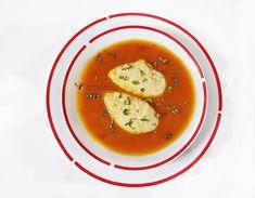 De multe ori prepar supa de rosii cu galuste de gris. De fapt, aceasta este una din preferatele baiatului meu,
