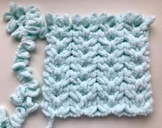 Big Twist, Cross Stitch Needles, Finger Knitting, Personalized Baby Blankets, Yarn Brands, Diy And Crafts, Knit Crochet, Sewing Projects, Crochet Patterns