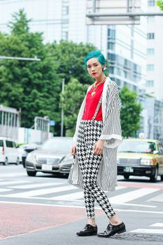 Street of Harajuku, Tokyo - Luxe Fashion New Trends Harajuku Fashion, Japan Fashion, Love Fashion, Fashion Outfits, Fashion Design, Tokyo Street Style, Street Style Women, Japan Street, Street Styles