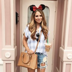 What to Wear to Disney | The Teacher Diva: a Dallas Fashion Blog featuring Beauty & Lifestyle