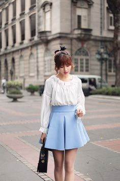 Japanese Fashion- Chiffon lantern sleeve shirt 尺码 胸围 腰围 袖长 裙长 肩宽 S 147 --- 41 60 插肩袖 M 151 --- 42 61 插肩袖 L 155 --- 43 62 插肩袖