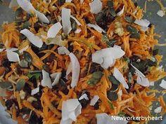 Fantastisk gulerodssalat med valnødder, tranebær og kokos…….