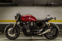 "'06 Yamaha XJR1300 ""The Sinner"" Cafe Racer by Macco Motors"