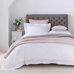 Create a calming and cosy bedroom with our white, pink and grey bed throws. Peruse the DUSK collection for sumptuous king, single and double bed throws. Pink Gray Bedroom, Grey Bedroom Decor, Luxury Bedroom Furniture, Pink Bedrooms, Cozy Bedroom, Bedroom Ideas, White And Grey Bedroom Furniture, Bedroom Bed, Master Bedrooms