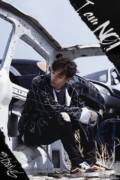 Find images and videos about kpop, stray kids and Chan on We Heart It - the app to get lost in what you love. Lee Min Ho, Vixx, K Pop, Jimin, Sung Lee, Chris Chan, Stray Kids Chan, Stray Kids Minho, Soyeon