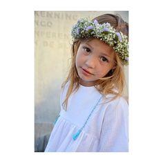 Moo speelt morgen de bruid in een toneeltje #ikateecouture #bloemenvancornelis #doublegauze