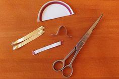 Ako ušiť rúško s drôtikom, čím nahradiť drôt, fotopostup Doctor Mask, Carving, Face Masks, Hands, Log Projects, Mascaras, Crowns, Dressmaking, Wood Carvings