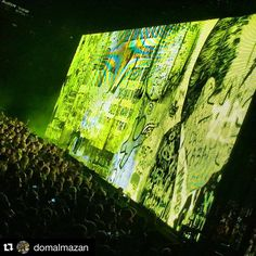 #Repost @domalmazan #u2 #u2ietour ・・・ Huge LED engulfs Bono while performing. Checking out the U2 iNNOCENCE + eXPERIENCE Tour 2015 here at The Forum, Inglewood California. Can't wait to see Bono perform LIVE! May 31, 2015 #U2 #U2IEtour #U2Innocence #U2InnocenceExperienceTour2015