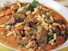 Feijoada de Coelho Portuguese Recipes, Portuguese Food, Cooking Recipes, Healthy Recipes, Healthy Meals, Black Eyed Peas, Pot Roast, Recipies, Beans