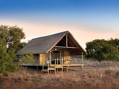 Cradle Boutique Hotel  - With magnificent panoramic views of the highveld and surrounding valleys, Cradle Boutique Hotel is set in the Cradle of Humankind World Heritage Site.Each room features a seating area where you can unwind, ... #weekendgetaways #johannesburg #centralgauteng #southafrica