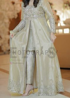 A-Line Wedding Dresses Collections Overview 36 Gorgeou… Pakistani Fancy Dresses, Party Wear Indian Dresses, Beautiful Pakistani Dresses, Pakistani Fashion Party Wear, Pakistani Wedding Outfits, Designer Party Wear Dresses, Indian Fashion Dresses, Pakistani Dress Design, Pakistani Frocks