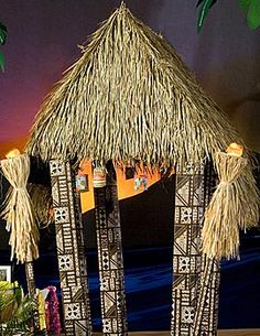 Our real dried palm leaves measure 46 inches high x 54 inches wide. Combine several leaves together to create thatched roofs or decorative Hawaiian dividers.