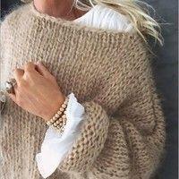 White Women Sweater Mohair Sweater Hand knitting women cardigan Angora wool ca . White Women Sweater Mohair Sweater Hand Knitting Women Cardigan Angora Wool Cardigan Arm Knitting Women Jaket Oversize M. White Knit Sweater, Mohair Sweater, Wool Cardigan, White Cardigan Outfit, Cardigan Fashion, Angora, Mode Style, Cardigans For Women, Hand Knitting