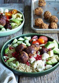 One pot wonder - lettvint gryterett - Mat På Bordet Cobb Salad, Pesto, Potato Salad, Food To Make, Nom Nom, Hummus, Food And Drink, Vegan, Mat