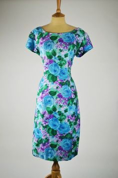 1950s-vintage-dress-coral-sea-blue-lilac-green-front