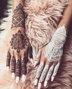 KC Special – Henna Designs For Your First Karvachauth! – Witty Vows KC Special – Henna Designs For Your First Karvachauth! Henna Tattoos, Mehndi Tattoo, White Henna Tattoo, Henna Inspired Tattoos, Simple Henna Tattoo, Tatoos, New Henna Designs, Bridal Henna Designs, Beautiful Henna Designs