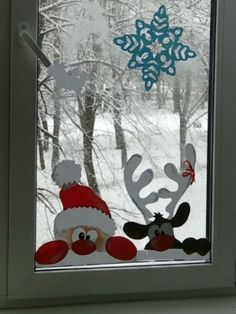 Classy Christmas Window Decor Ideas That Looks Elegant - Happy Christmas - Noel 2020 ideas-Happy New Year-Christmas Classy Christmas, Christmas Wood, Outdoor Christmas, Christmas Projects, Christmas Holidays, Christmas Ornaments, Diy Christmas Window Displays, Painted Windows For Christmas, Christmas Ideas