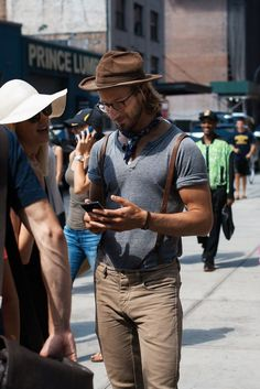 Men's Spring Fashion Trends Sharp Dressed Man, Well Dressed Men, Look Casual Hombre, Fashion Tips For Women, Mens Fashion, Style Fashion, Rustic Fashion, Fashion Menswear, Fashion Details