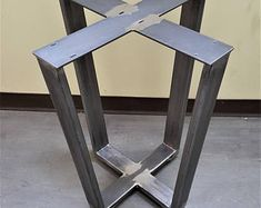 Modern Industrial Dining Table Legs with builded Concrete Table, Wood Table, Diy Esstisch, Industrial Dining, Modern Industrial, Dining Table Legs, Table Bases, Metal Building Homes, Metal Homes