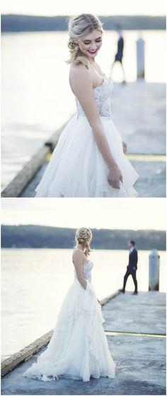 Wedding style, bay wedding meets elegant romance, sweetheart neckline, two-piece gown // Mandee Rae Photography